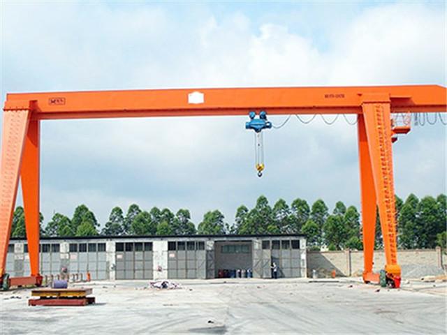 Single gantry crane
